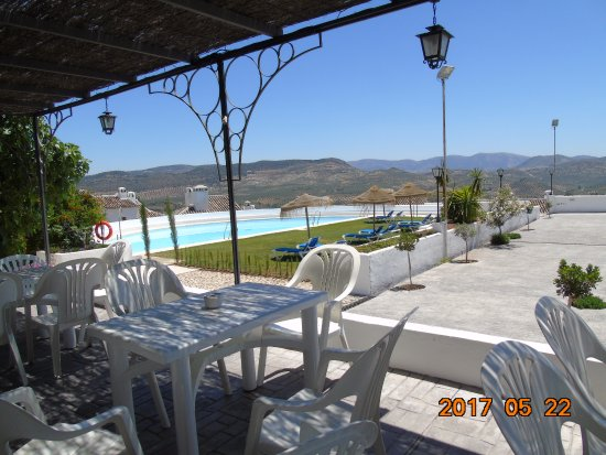 Hotel Villa de Priego de Cordoba: Vistas desde la terraza-bar-piscina