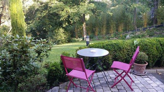 Limonest, France: Terrasse de la chambre