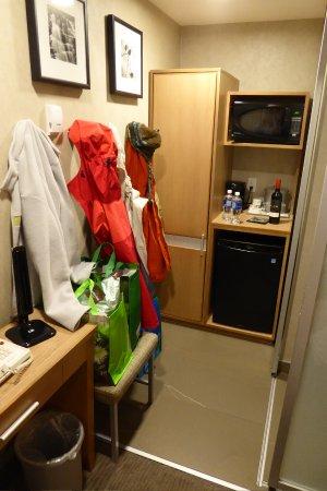 Mount Robson Inn: snug & warm