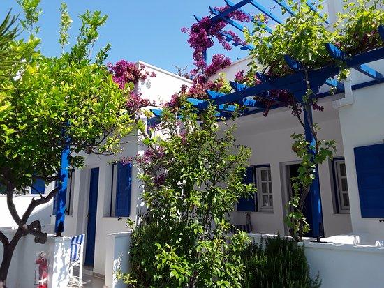 Levante Beach Hotel: Rooms