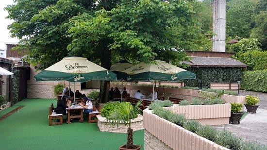 Hotel grgin dol pozega kroatien omd men och for Dinner on the terrace