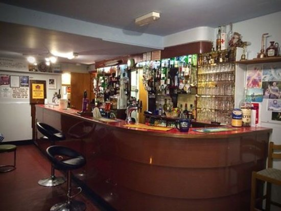 Crossmichael, UK: TheThistle Inn's Bar