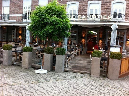 Tilff, Bélgica: Façade Le Canotier