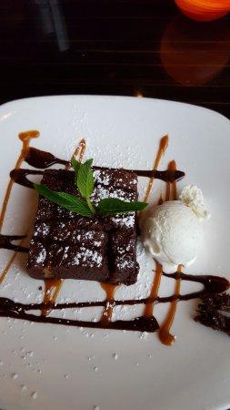 Raritan, NJ: Dessert, brownie a la mode, - brownie includes walnuts