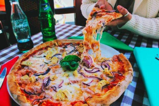 Pizza m dena o sole mio mesa y l pez picture of pizzeria for O sole mio mesa y lopez