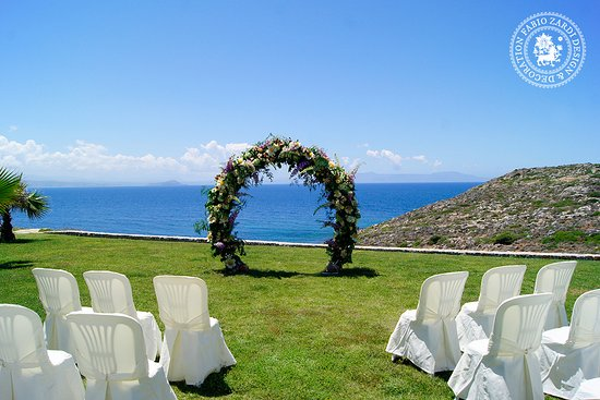 Fabio Zardi Floral Design & Decoration: Wedding ceremony at Villa Big Blue, Chania, Crete