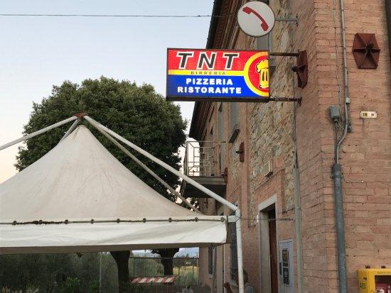 TNT照片