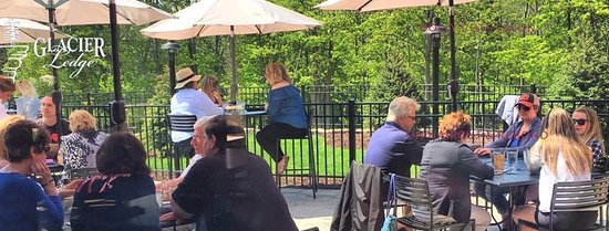Egg Harbor, WI: Patio dining