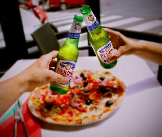 Pizza y peroni o sole mio mesa y l pez foto di pizzer a for O sole mio mesa y lopez