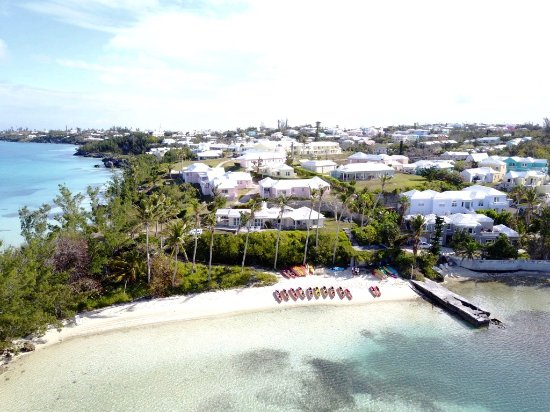 Hamilton, Bermuda: Our location in Ely's Harbor where we depart for the Kayak Tour.