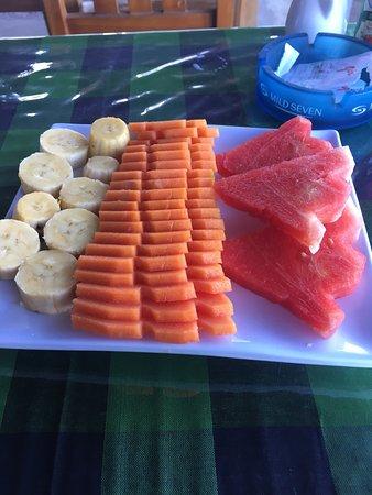 One Homestay: Breakfast- omelette and fruit plate