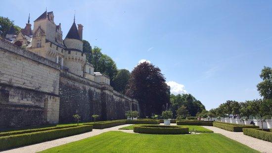 Rigny-Usse, Frankrig: Il giardino