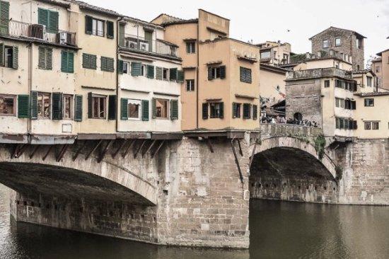 Ferdinando II dei Medici : Ponte Vecchio , 5 Minuten vom Hotel entfernt