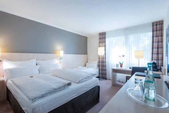 Novum Select Hotel Mainz : Dreibettzimmer