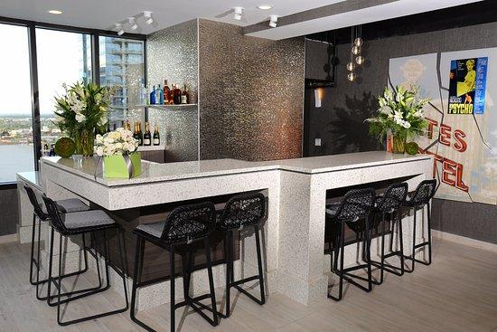 hilton garden inn phoenix downtown rooftop bar floor 13 - Hilton Garden Inn Phoenix Downtown