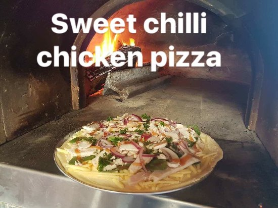 Branxholm, Australien: Pizzas, menu and dessert