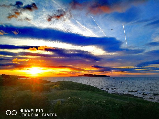 Donabate, Irlandia: sunrise from a balcony view