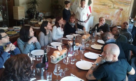 Castagnole Lanze, Italia: the crew
