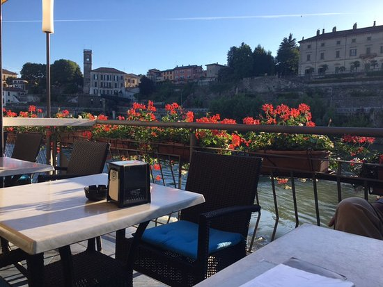 Tavoli sulla terrazza - Foto di Terrazza Manzotti, Canonica d\'Adda ...