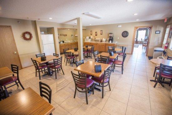 Green Gables Inn: Breakfast Area
