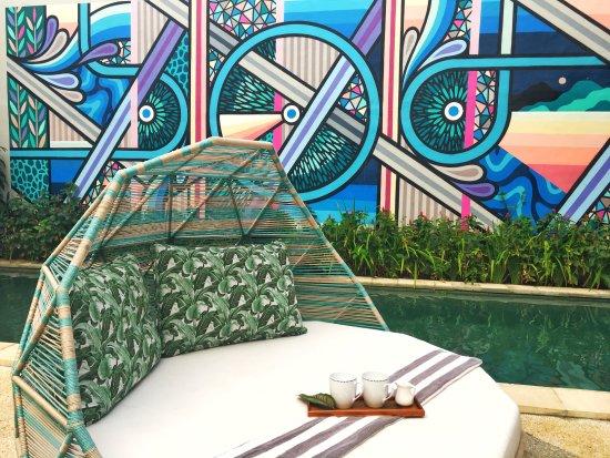 La Belle Villa: Sun Lounges