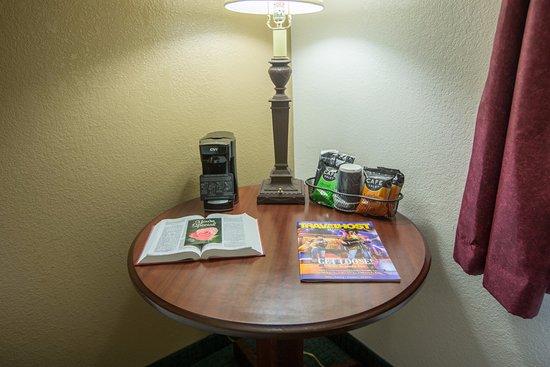 Rosebud Inn: Coffee In-Room