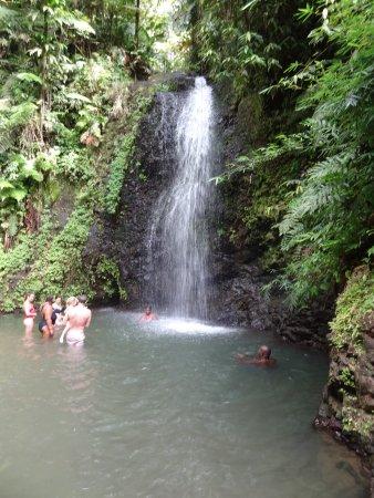 Trois-Ilets, Martinique: cascade de gendarme