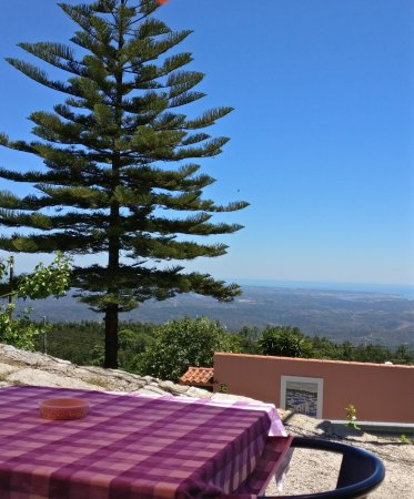 A Rampa : Wonderful view right over the Algarve from our table.