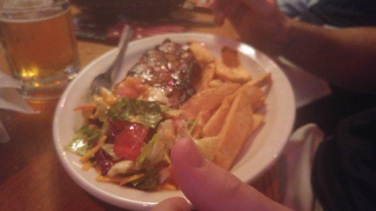 Tonawanda, Estado de Nueva York: filet with fries, very tender, no fat at all.