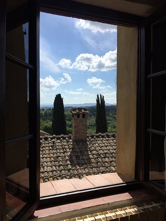 Agriturismo Castel di Pugna: One of the Bianca Room views