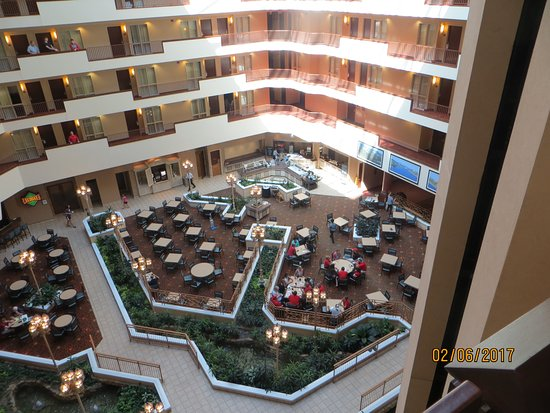 Embassy Suites by Hilton Charleston: atrium from the 5th floor