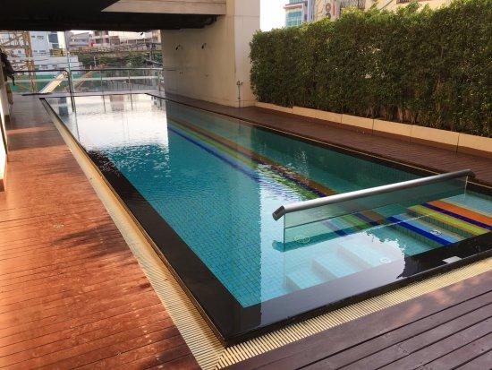 Vic3 Bangkok: 曼谷酒店