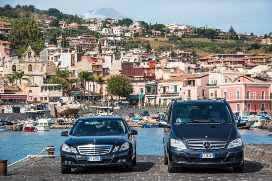 Giardini-Naxos, Włochy: Sicily TOURS with Mercedes Benz