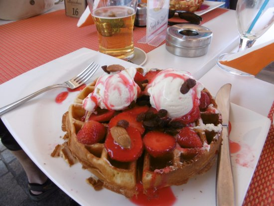 Bacchus: Amazing strawberry delight waffle. Definitely enough for two. Lovely treat after shopping.