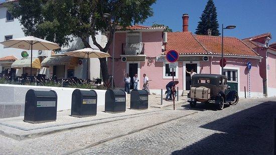 Carnaxide, Portugal: Restaurante cervejaria Zé das escadinhas.