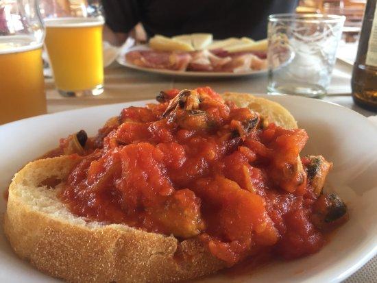 Maimoni Cafe: Strepitosi spaghetti alla bottarga e guazzetto di cozze... in una splendida cornice Maimoi