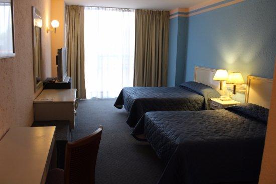 San Francisco Toluca Hotel: HABITACION STANDAR DOS CAMAS MATRIMONIALES