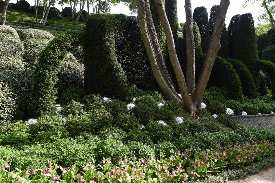 Lots Of Spheres Picture Of Les Jardins D Etretat Tripadvisor