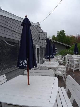 Wolfeboro, Nueva Hampshire: More outdoor seating