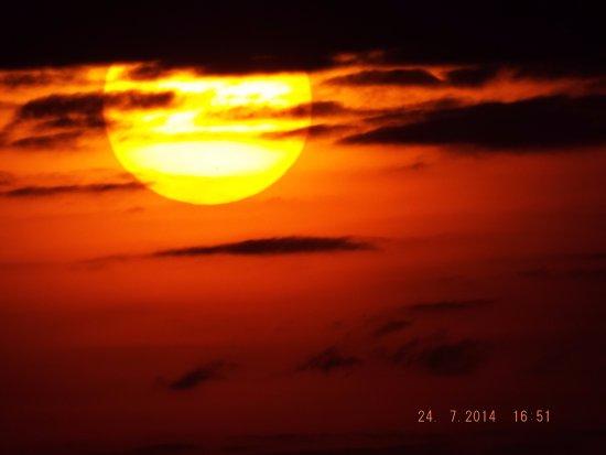 Kenya Expresso Tours and Safaris: Sunset Tsavo West