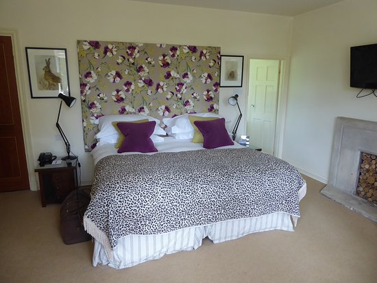 The Hare and Hounds Hotel: Room 18