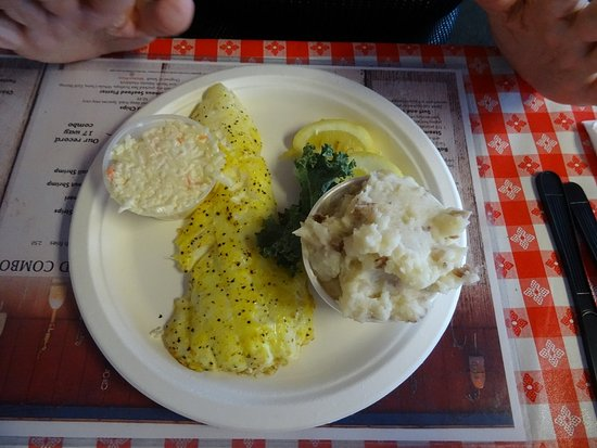 Newick's Lobster House: Broiled haddock