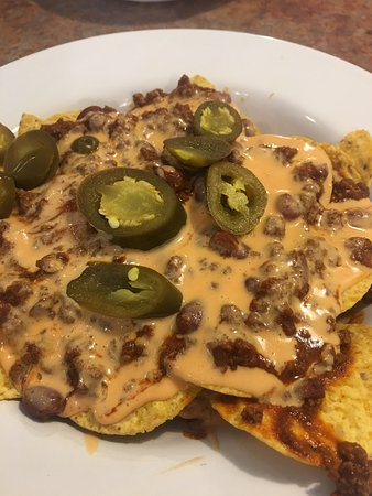 Hardy, AR: Chili cheese nachos