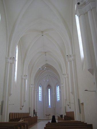Helemaal witte abdijkerk