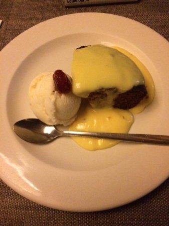 Skukuza, جنوب أفريقيا: Ah, não deixe de pedir o Malva Pudding de sobremesa. É típico da África do Sul.