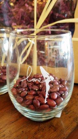Holmes Beach, FL: Locally made wine glasses