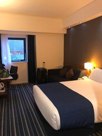Holiday Inn Express Belfast City Queens Quarter: photo0.jpg