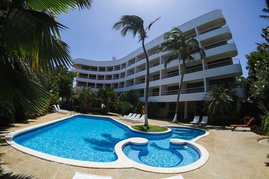 California Hotel: El Verdadero Hotel de Playa El Yaque