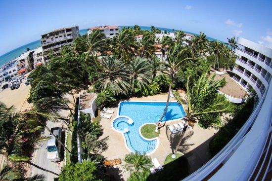 California Hotel: Vista Panoramica de Playa El Yaque