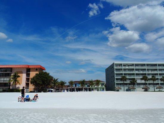 """Redington Beach, FL: Das Hotel in der Mitte - klein und ruhig- keiner der """"Massen-Bunker"""""""